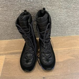 The North Face lace up boots - new without box
